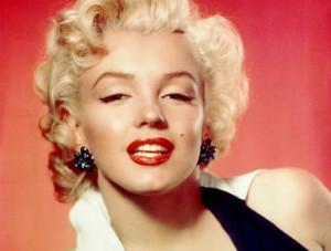 Marilyn Monroe. En skönhetsideal och sexsymbol. Men en skev självbild förföljde henne genom hela livet.