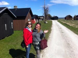 Fiskelägret i Ronehamn. Här vandrade vi runt men ja det blåser på Gotland. :)