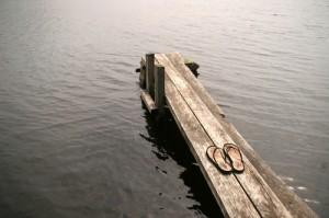 Vi tillför själva meningen med vårt liv. En morgonstund på bryggan, kanske ett dopp kan vara ett sätt.